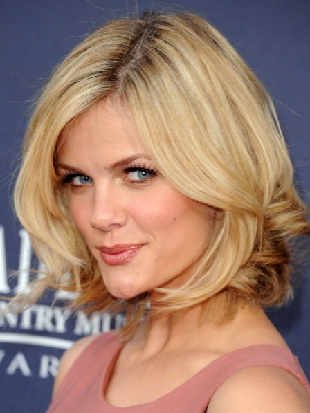 Brooklyn Decker Chin Layered Bob Cut Wig