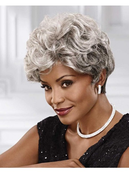 Short Wavy Heat-Resistant Wig With Layers Of Texture And Volume
