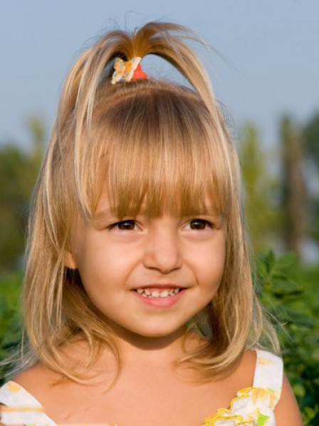 Sweet Blonde Bob Hairstyle For Little Girl