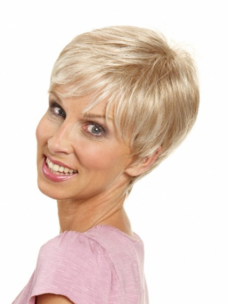 Women's Short Wavy Synthetic Hair Wig With Bangs