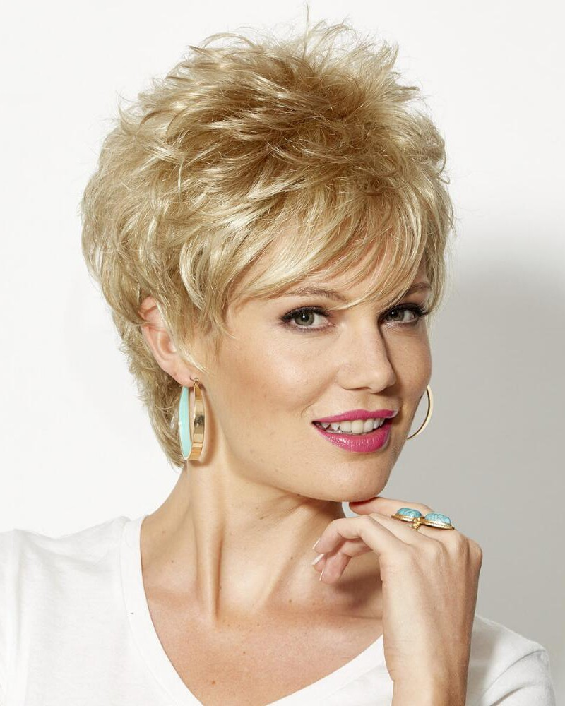 Chic Short Wigs With On-Trend Piecey Layers And Lots Of Volume On Top