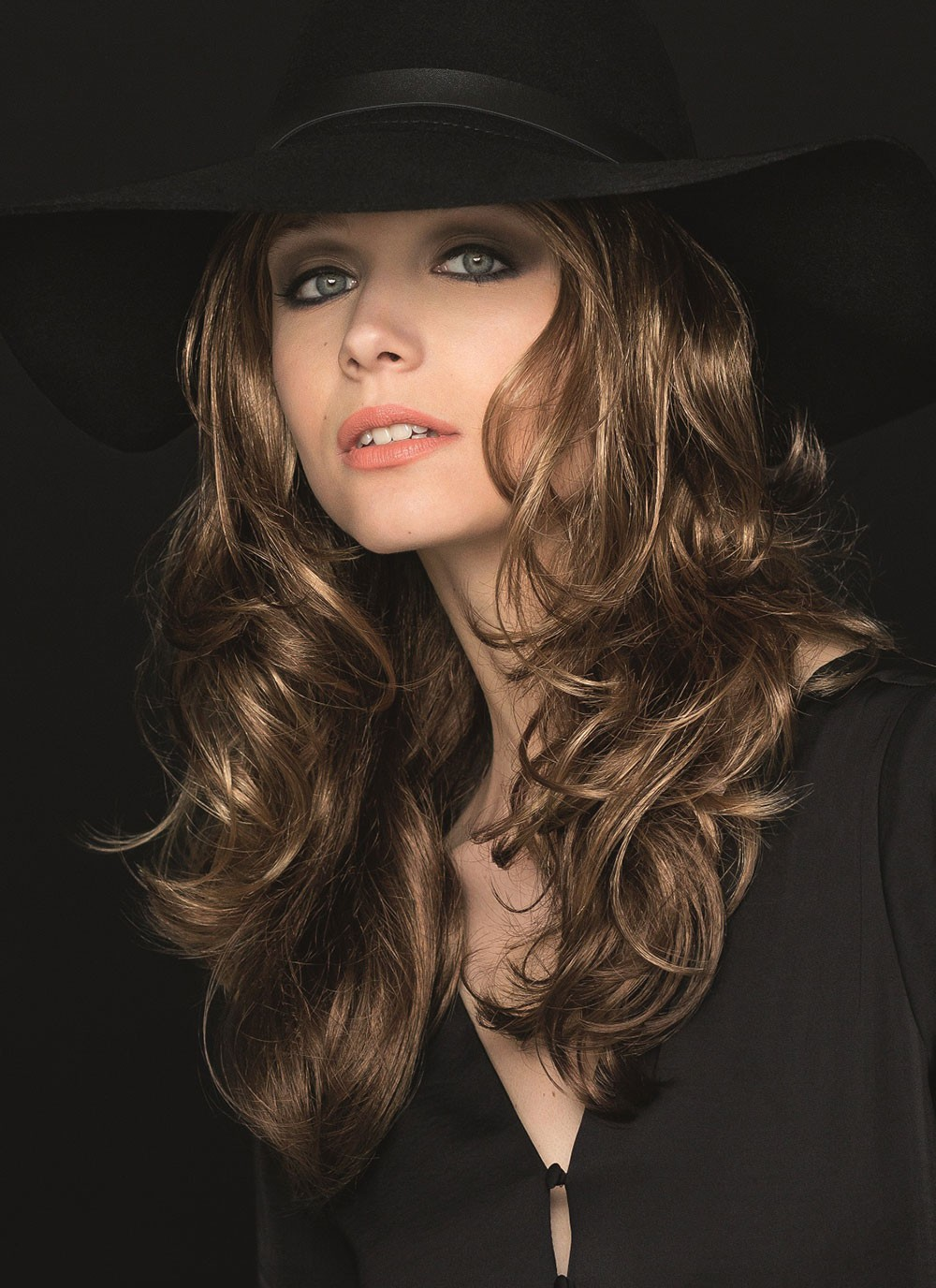 Cute Natural Look Curly Long Synthetic Hair Wigs